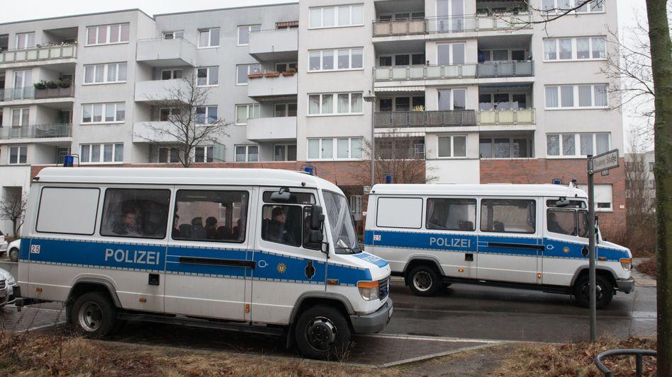 Polizeifahrzeuge in Alt-Hohenschönhausen