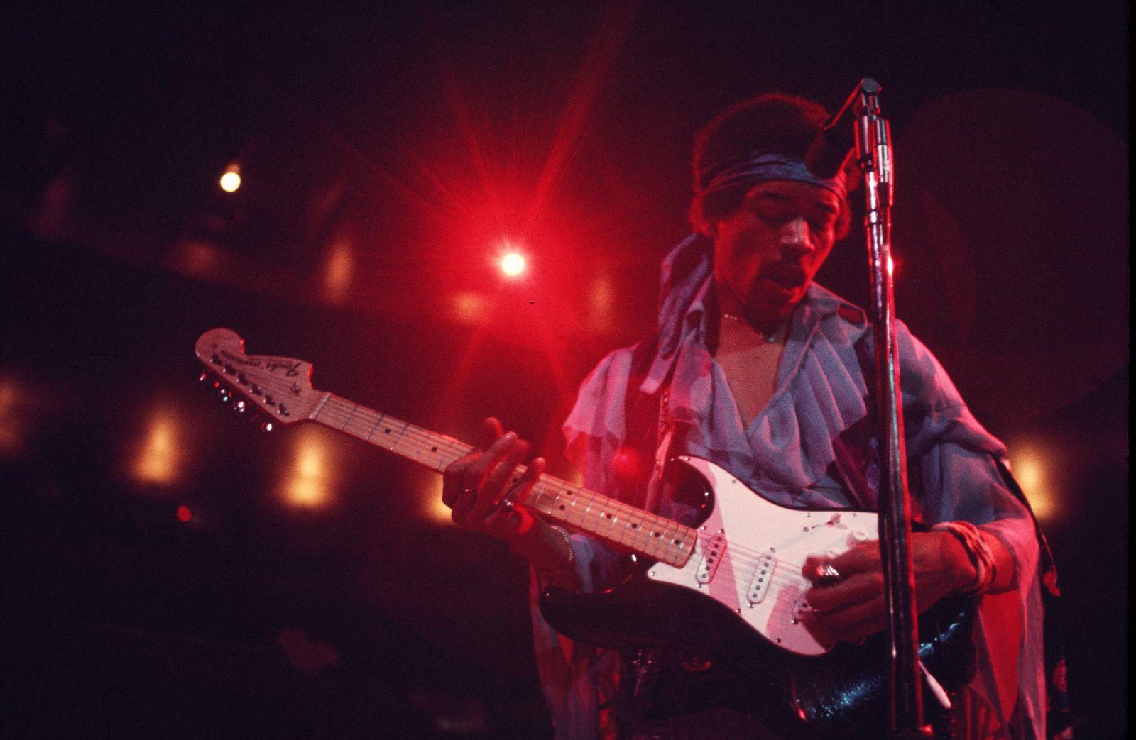 Henkersmahlzeit - Jimi Hendrix Performs in New York