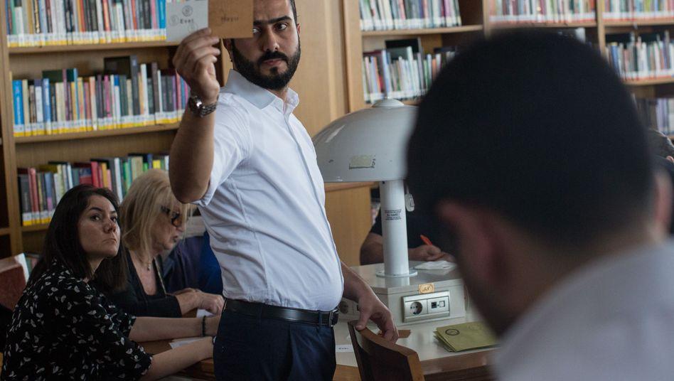Wahlbeobachter bei der Abstimmung in Istanbul