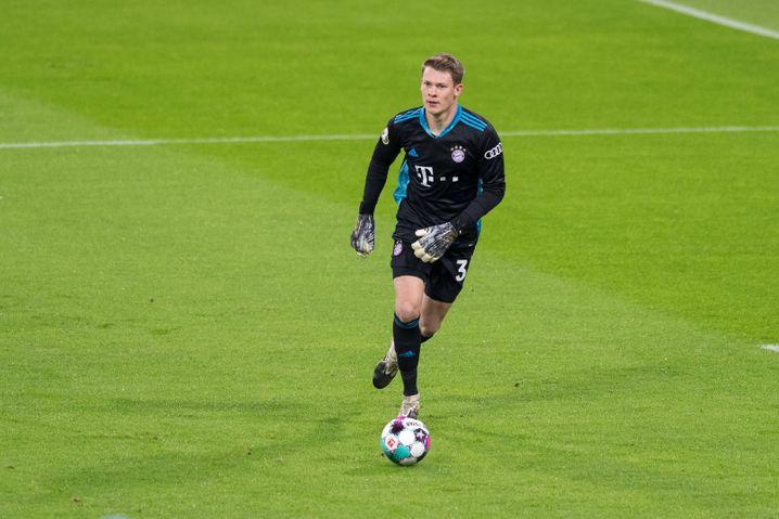 Nübel bei einem seiner beiden Einsätze für den FC Bayern: Im Pokal gegen Düren