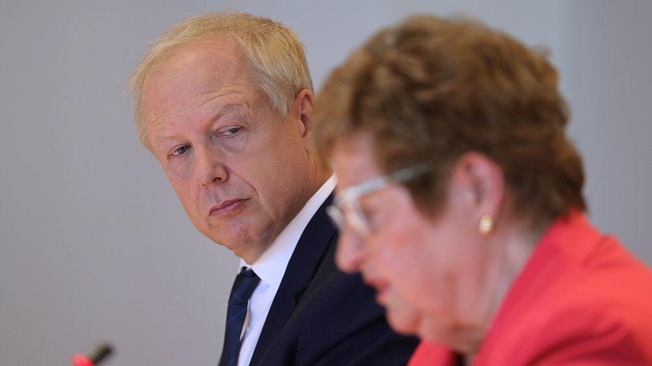 WDR-Intendant Buhrow mit Gutachterin Wulf-Mathies in Bonn