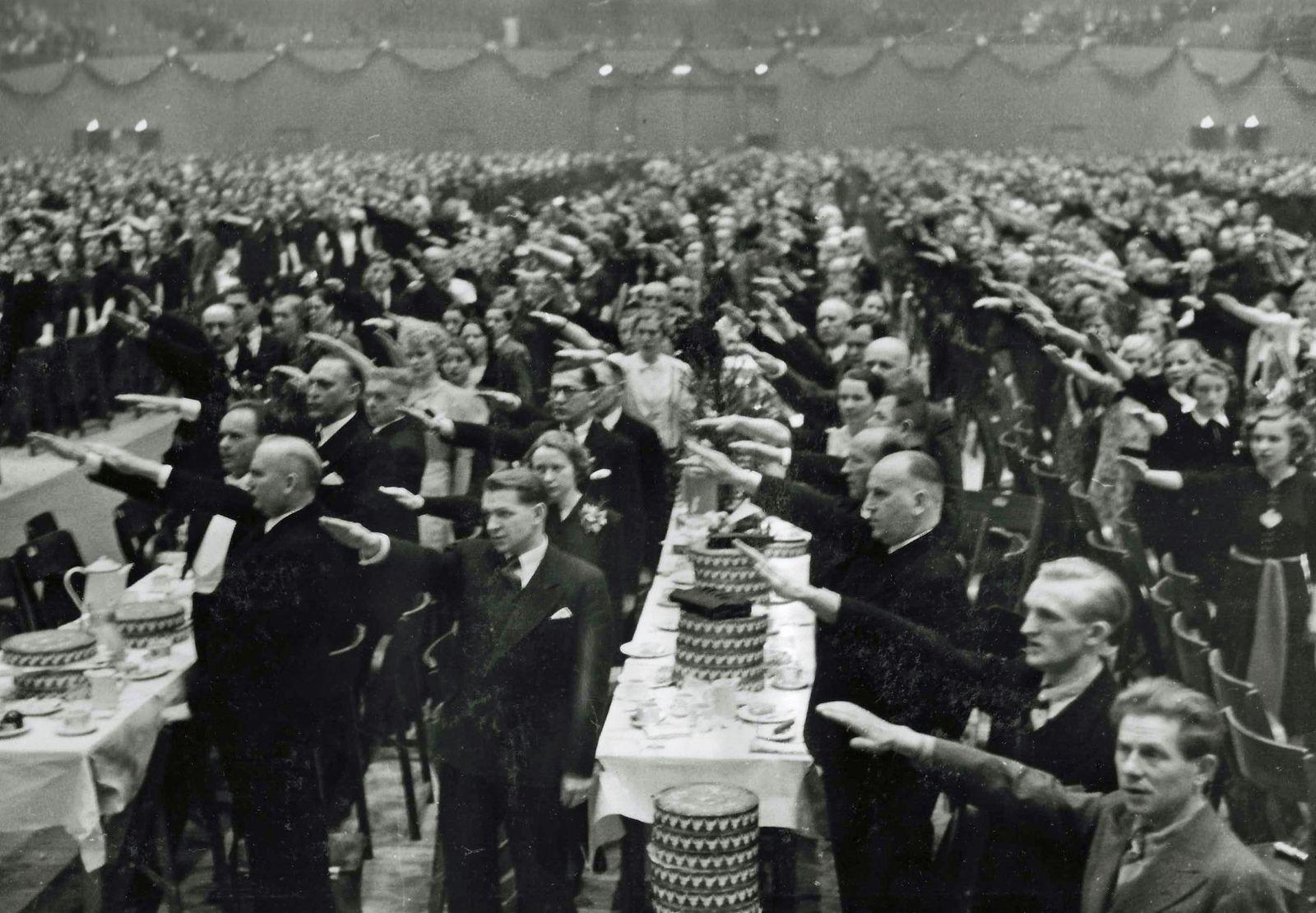 Hertie Betriebsfeier 1938