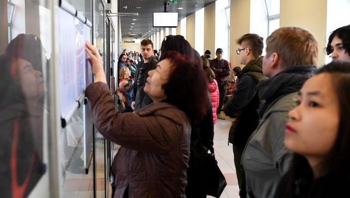 Arbeitsmigranten in Polen: Schlangen im Ausländeramt
