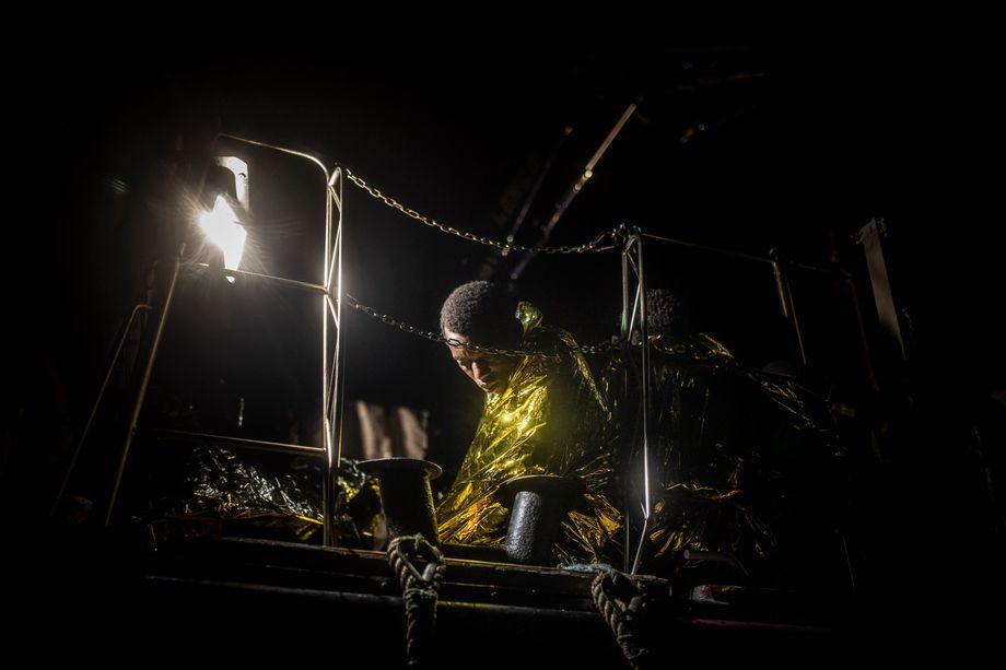 """Sie saßen in einem Gemisch aus Salzwasser und Treibstoff: Überlebender an Bord der """"Louise Michel"""""""