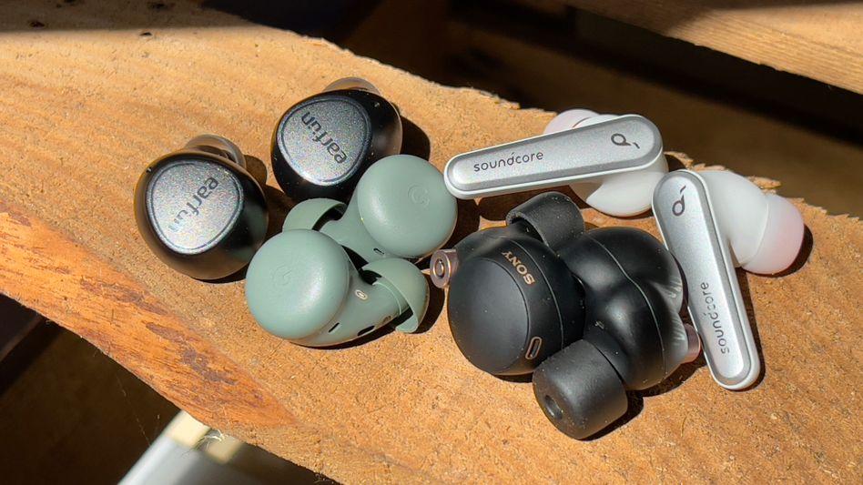 Die getesteten Ohrhöhrer: Sound und Fähigkeiten sind so unterschiedlich wie das Design