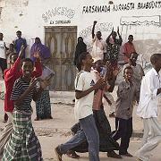 """Menschen jubeln nach der Vertreibung der Islamisten aus Mogadischu: """"Es ist an der Zeit, auf Hochzeiten zu tanzen und Musik zu hören"""""""