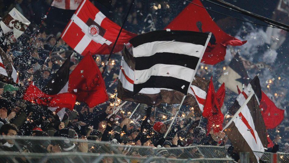 Fans des FC St. Pauli: Top-Club bei den Merchandising-Einnahmen