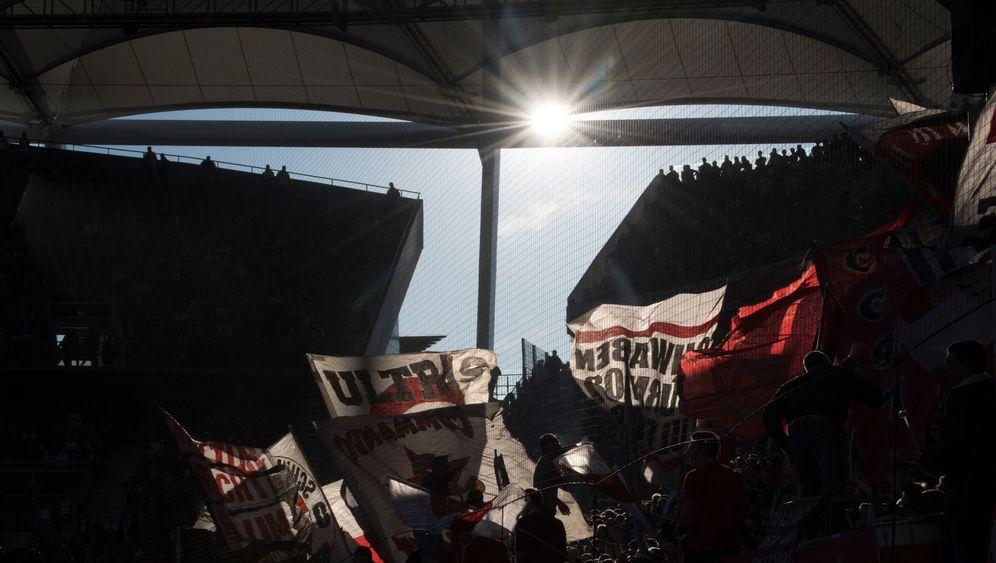 Fußball-Bundesliga: Sonne, Tore, Rote Karten