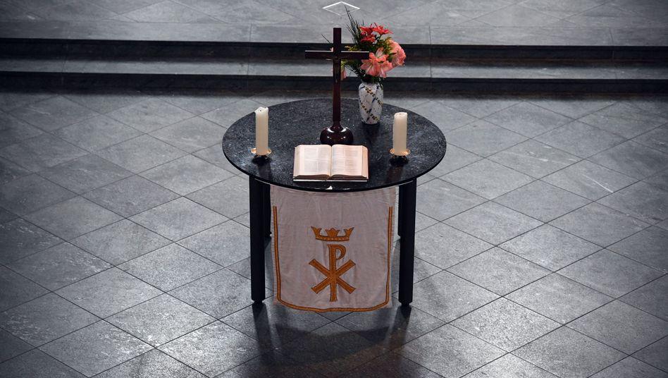 Altar in Berliner Heilig-Kreuz-Kirche