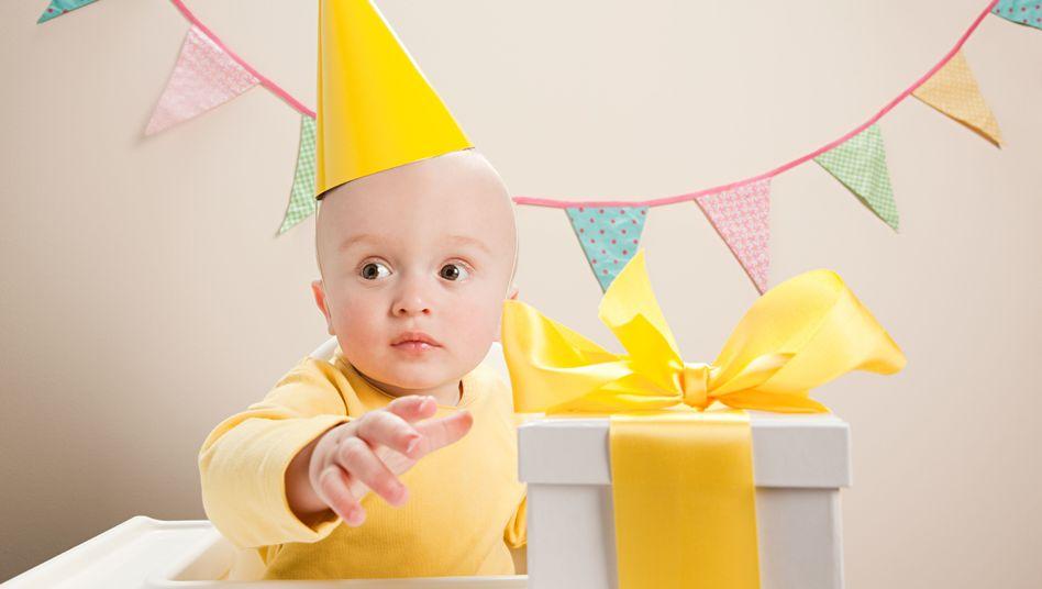 Party mit Hut: Die Überraschung will genau geplant sein