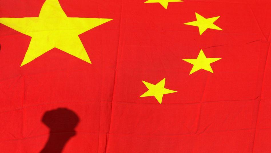 Chinesische Flagge (Symbolbild): Internet-Untergrund soll 90.000 Menschen beschäftigen