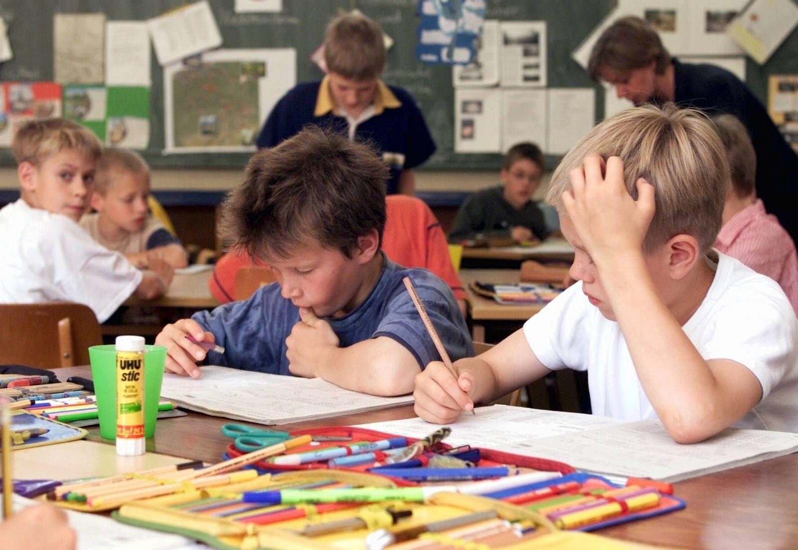 NICHT VERWENDEN SYMBOLBILD Schule / Grundschulklasse