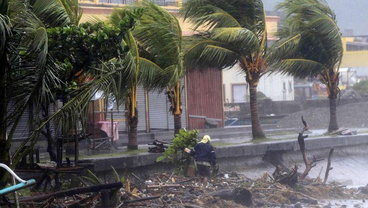 """""""Hagupit"""": Wirbelsturm fegt über die Philippinen hinweg"""