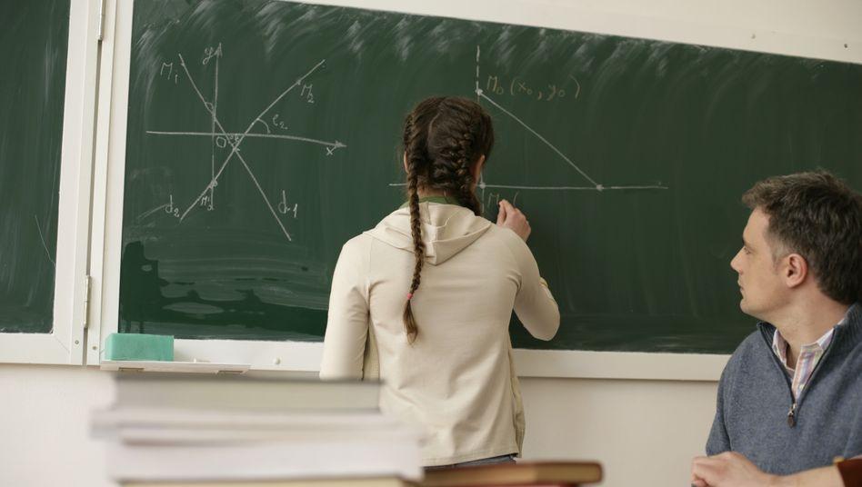 Schülerin im Matheunterricht