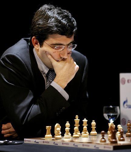 Großmeister Kramnik: Sieg im zehnten Spiel