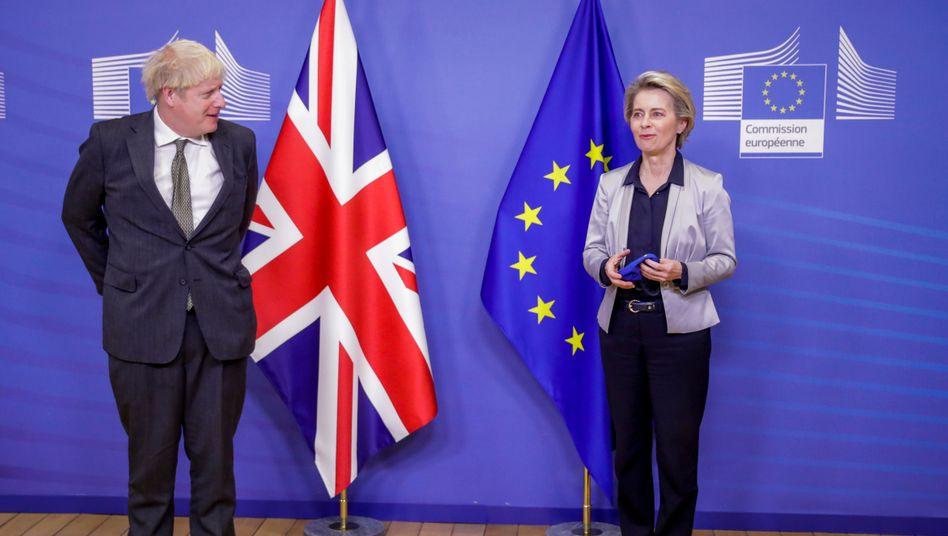 Boris Johnson und Ursula von der Leyen am Mittwoch in Brüssel