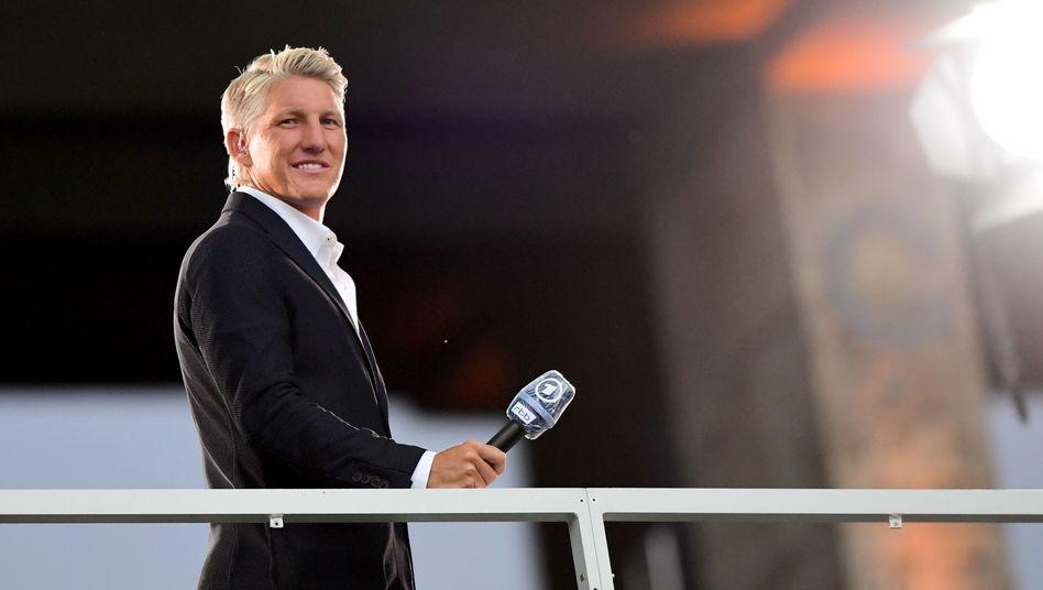 """Bastian Schweinsteiger: """"Idealerweise spielt man mit einer Viererkette - damit sind wir auch Weltmeister geworden"""""""