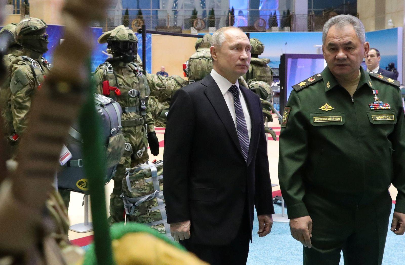 RUSSIA-PUTIN/DEFENCE