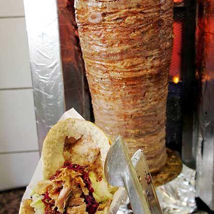 In Deutschland erfunden: Döner, reimportiert in die Türkei.
