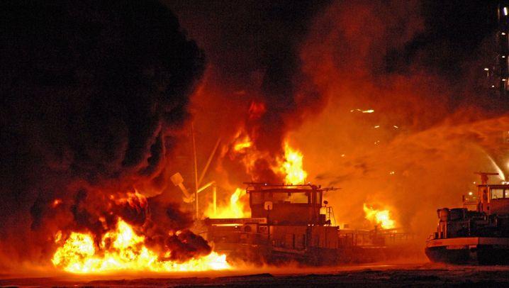 Lingen an der Ems: Explosion im Hafenbecken