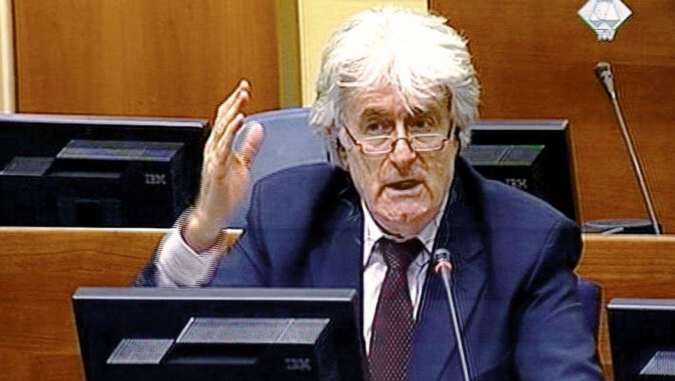 """Fernsehbild von Radovan Karadzic: """"Kaltblütig und verlogen"""""""