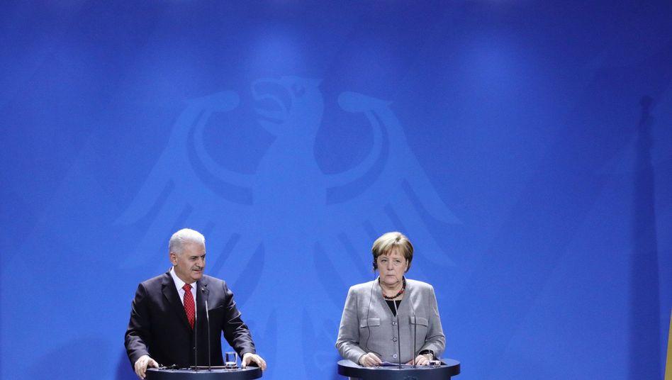 Binali Yildirim und Angela Merkel in Berlin