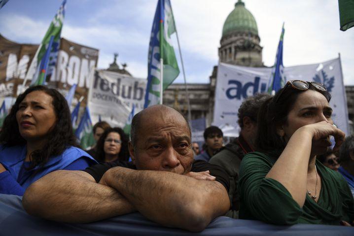 Lehrer demonstrieren in Buenos Aires