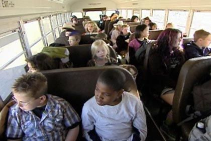 """Szene aus """"Kid Nation"""": Am Ende weint immer das Streichorchester"""