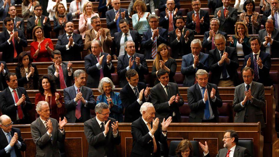 Spanisches Parlament: Applaus nach der Rede von Ministerpräsident Mariano Rajoy