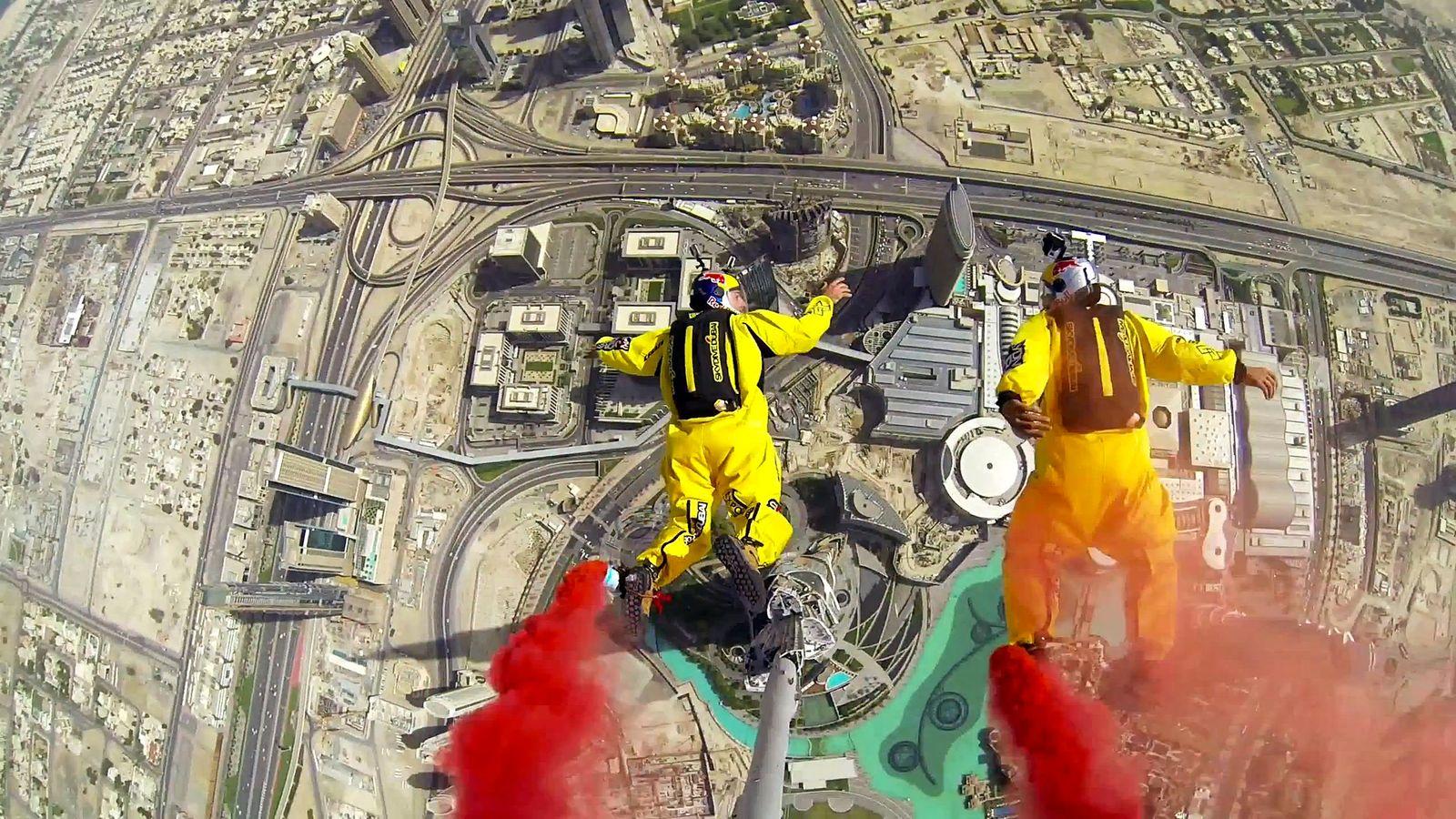 EINMALIGE VERWENDUNG Dubai/ Burj Chalifa/ Basejump-Rekord SCREENSHOT VID
