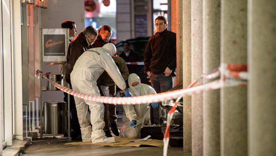 Heidelberg: Schwerverletzter Fußgänger stirbtnach Autofahrt in Menschengruppe
