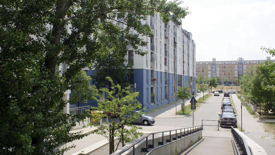Arbeitsplatz saudische Diplomaten-Wohnung (in der Berliner Boca-Raton-Straße): Schlafstätte auf dem Teppichboden