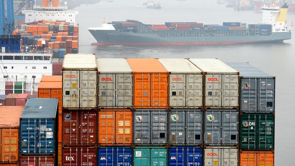 Container im Hamburger Hafen (Archivbild): Der Welthandel könnte laut WTO bis zu einem Drittel einbrechen