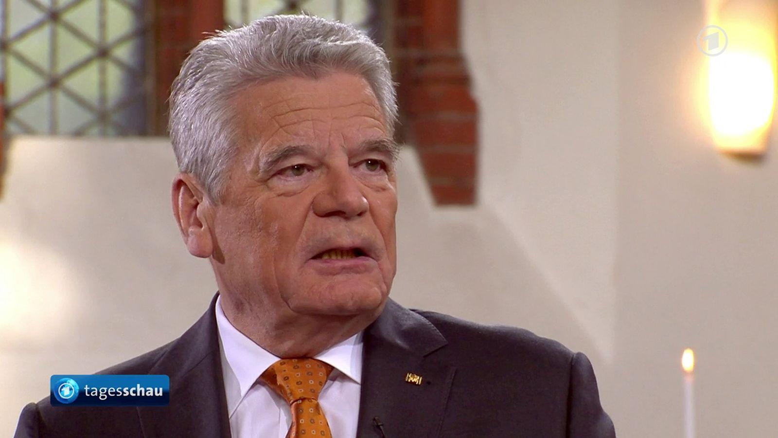 EINMALIGE VERWENDUNG Gauck / TV-Interview