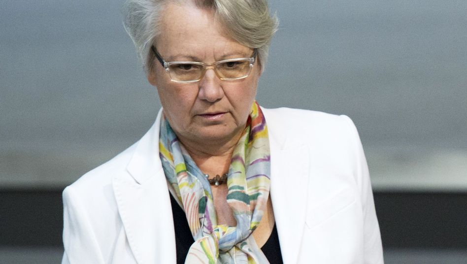 "Ministerin im Titelkampf: Schavan weist Täuschungsabsicht ""entschieden"" zurück"