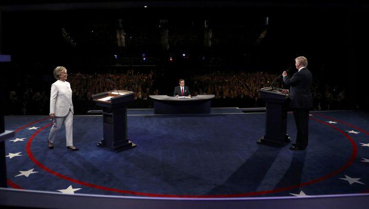 Clinton vs. Trump: Schlagabtausch in Las Vegas