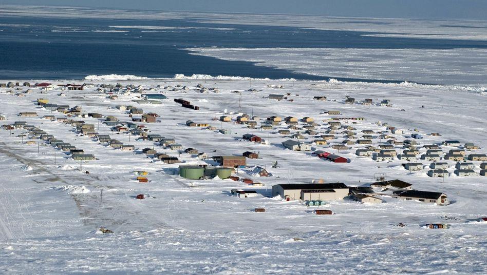 Ort Gambell auf der Insel St. Lawrence in Alaska