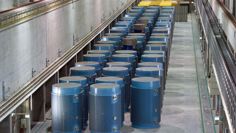 Atombehälter in Zwischenlager: Der Rückbau wird immer teurer