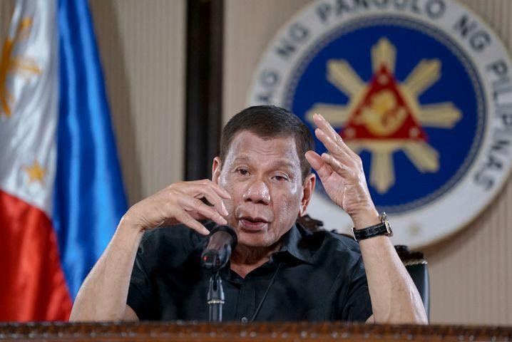 """Philippinischer Präsident Rodrigo Duterte: """"Statt Ärger zu machen, werdet Ihr von mir ins Grab geschickt"""""""