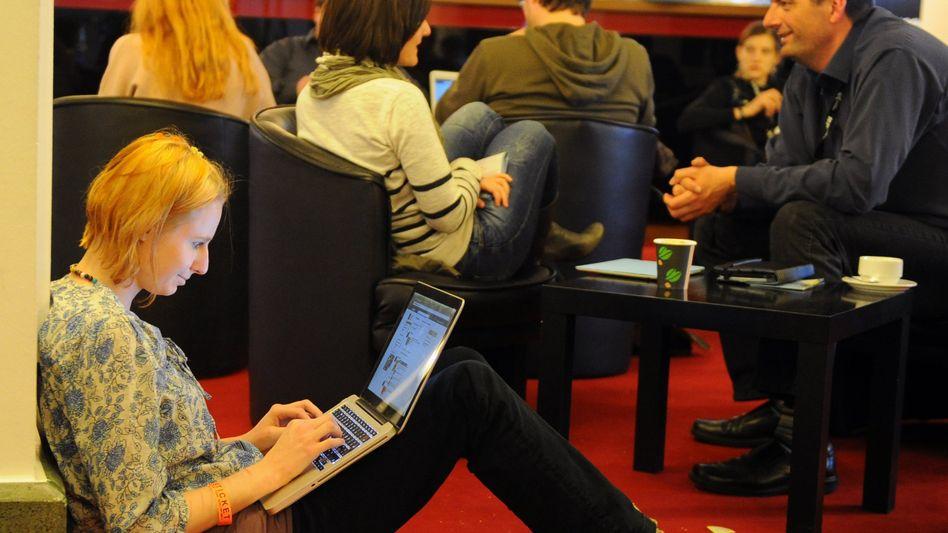 Besucherin des Blogger-Treffens Republica: 73,3 Prozent der Deutschen sind online
