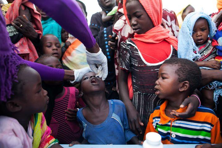 Polio-Impfung in Darfur: World Vision rechnet mit ähnlich vielen Spenden wie 2014