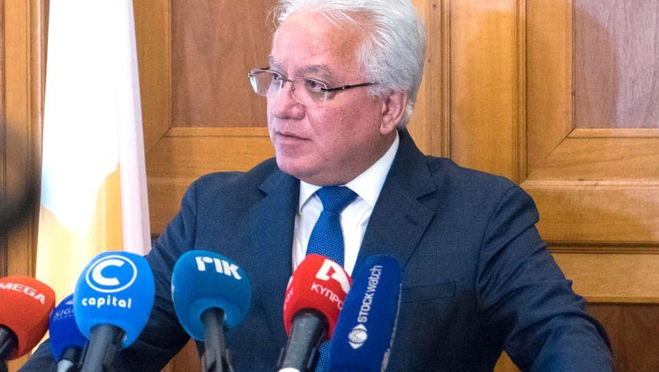 """Zyprischer Justizminister Nikolaou: Rücktritt aus """"prinzipiellen und Gewissensgründen"""""""