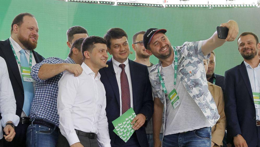 """Parlamentswahl in der Ukraine: Die """"Diener"""" vor dem Durchmarsch"""