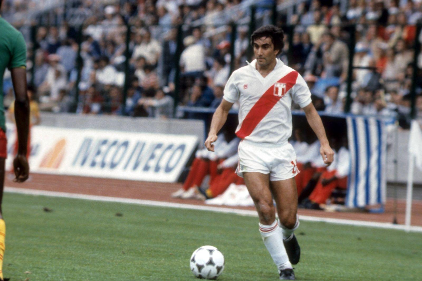EINMALIGE VERWENDUNG Carlos Oblitas/ Peru/ WM 1982