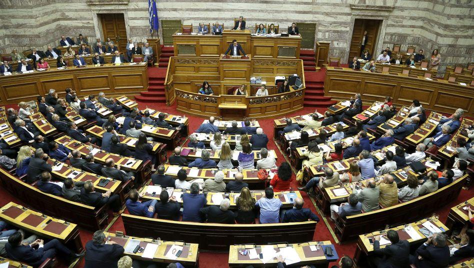 Das griechische Parlament in Athen: Tsipras will keinen Bruch im Regierungslager riskieren