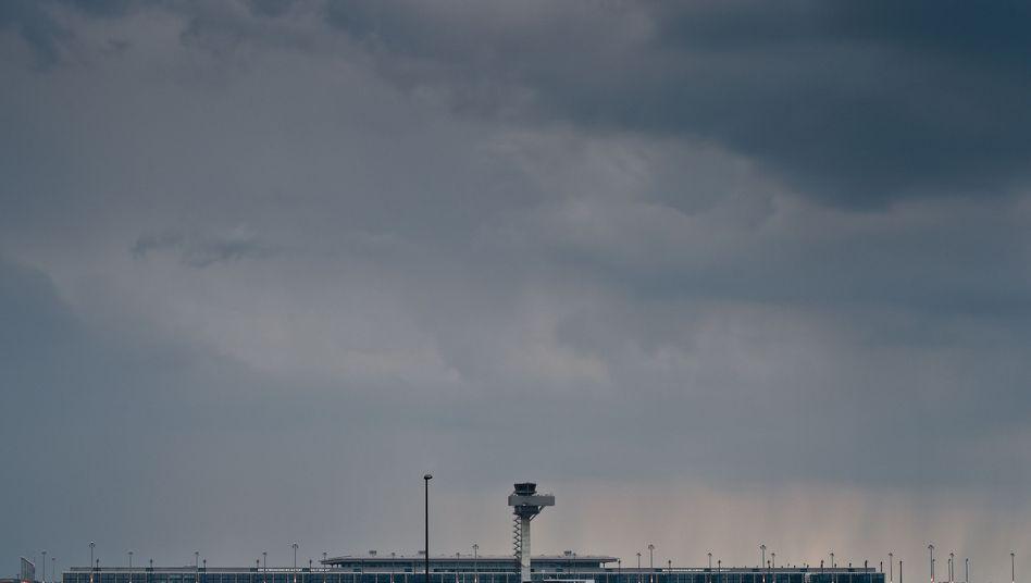 Flughafen Berlin Brandenburg: Nachträge belasten die Bilanz