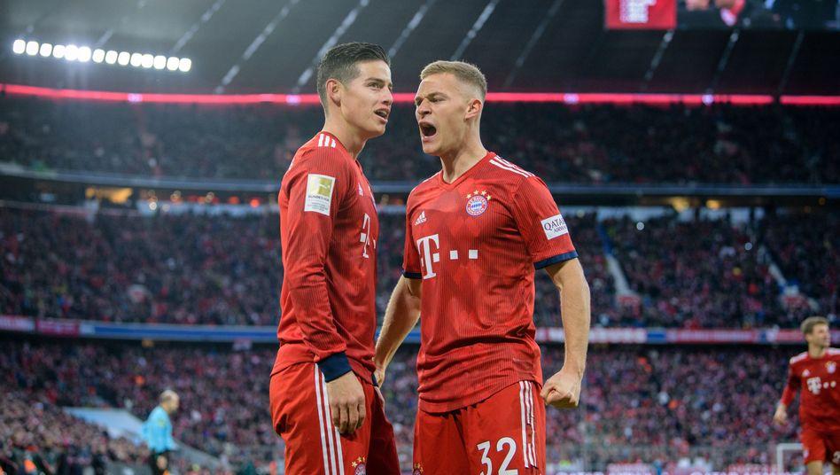 Bayern Münchens James Rodríguez und Joshua Kimmich