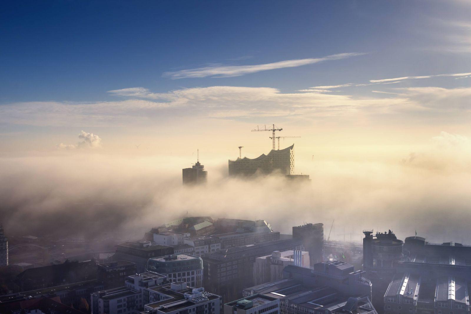 EINMALIGE VERWENDUNG Hamburg / Elbphilharmonie
