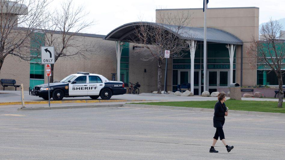 Bewachte Columbine High School in Colorado am 20. Jahrestag des Massakers (2019)