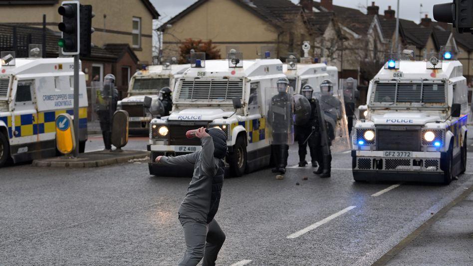 Ausschreitungen in Belfast: Ein alter Konflikt flammt wieder auf